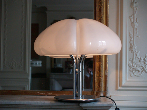 Gae-Aulenti-lampe-poser-blanche-Gimp-1.jpg