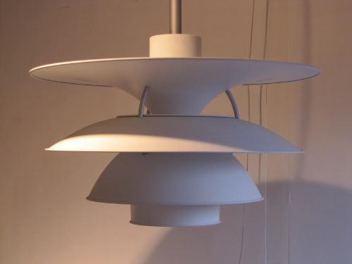 poul-henningsen-poulsen-charlottenburg-lampe-3.jpg
