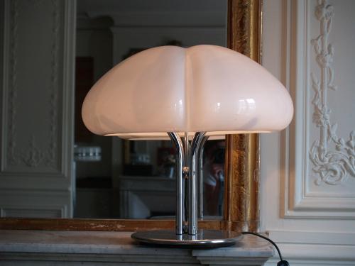Lampe Quadrifoglio, design Gae Aulenti
