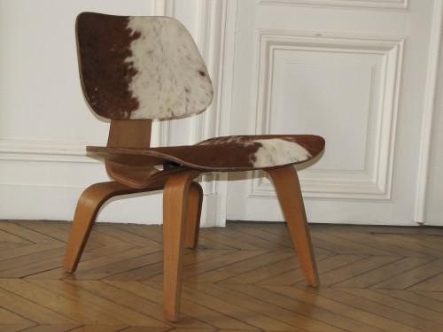 Eames-chaise-poulain.jpg