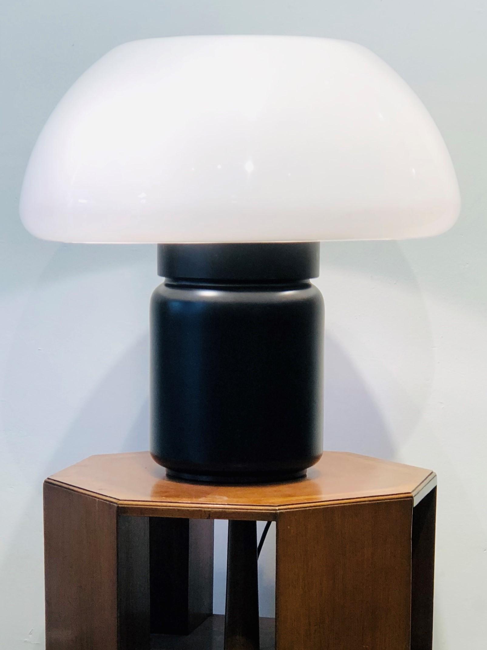 lamp-mushroom-martinelli-luce-1.jpg